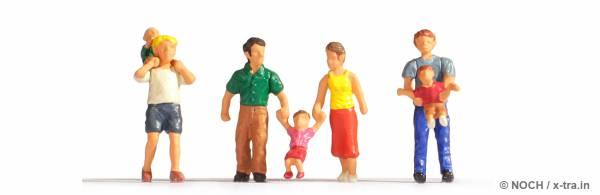 Eltern mit Kindern. NOCH 15592
