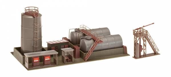 FALLER 120157 - Öllager mit Dieseltankstelle und Ölkran